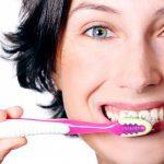 Ako často navštíviť svojho zubára kvôli vyčisteniu zubov po implantácii?